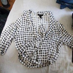 🚦Bundle Option #1 : Black & White blouse